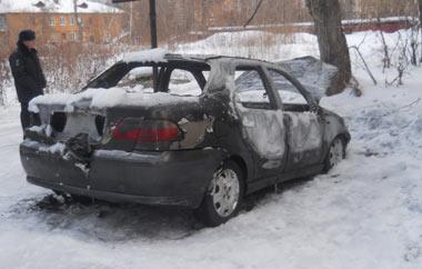 На Вые сгорел автомобиль