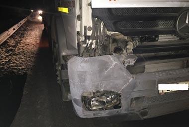 В пригороде Екатеринбурга грузовик насмерть сбил пешехода