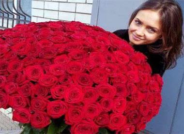 Как оживить увядшие розы?