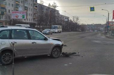 Водитель ВАЗ-2112 устроил ДТП в центре Выи и скрылся с места ДТП