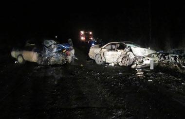Два человека погибли в ДТП на серовской трассе и четверо получили травмы