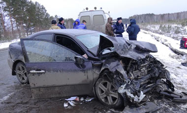 В ДТП под Новоасбестом погибла женщина и три человека ранены