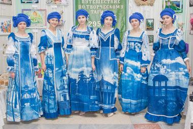 Необычные платья с видами Тагила изготовили ученицы гимназии №18