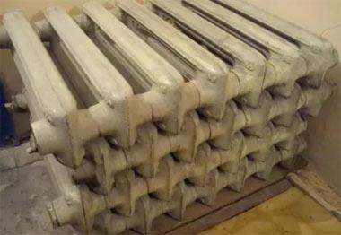 Жители Тагилстроя украли чугунные батареи с предприятия, сумма ущерба составила 500 тысяч рублей