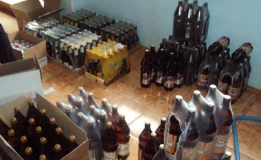 Около тонны алкоголя было изъято во время рейда полицейских и сотрудников ОМОН Росгвардии