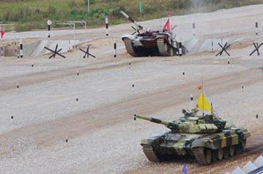 Российские военные на танках УВЗ выиграли