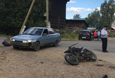 15-летний подросток разбился на мотоцикле в поселке Ис Свердловской области
