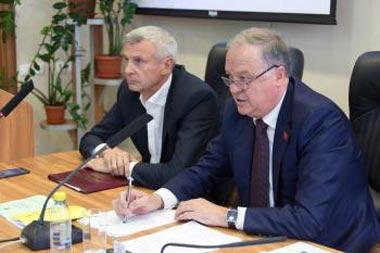 Сергей Носов принял участие в первом заседании гордумы 7-го созыва