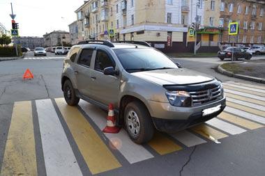 Кроссовер сбил пенсионера на пешеходном переходе в центре Нижнего Тагила
