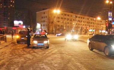 В Екатеринбурге женщина-пешеход была дважды сбита автомашинами и погибла