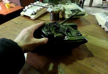 В колонии №13 открыли танковое производство