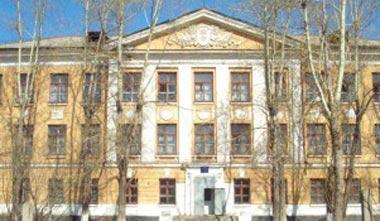 В школе №144 на Тагилстрое подросток выпал из окна 2-го этажа и получил переломы