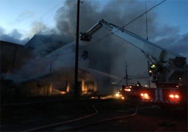 Пожар на хладокомбинате по улице Вогульской - пострадавших нет