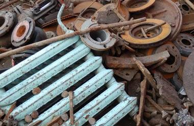 Полицейские Нижнего Тагила рассказали о борьбе с нелегальными скупщиками лома металлов