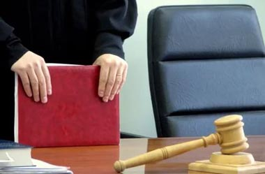 Тагильчанин обматерил полицейских и получил два года лишения свободы