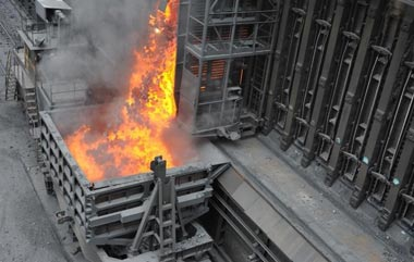 Из-за выброса горячей смолы на коксохимпроизводстве НТМК пострадали трое рабочих