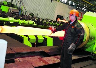 На УВЗ модернизируют оборудование в основных цехах