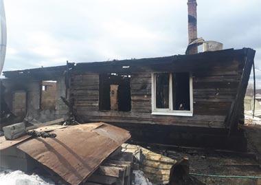 В Покровском под Нижним Тагилом сгорели два жилых дома
