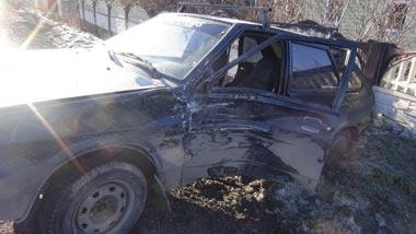 На Руднике водитель маршрутки устроил ДТП, пострадали 2 человека, в том числе маленькая девочка