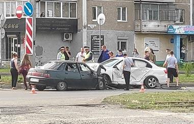 На Гальянке столкнулись ВАЗ-2110 и Volkswagen Jetta