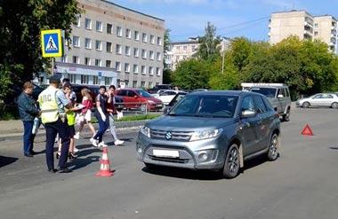На Вагонке кроссовер сбил 4 пешеходов на переходе