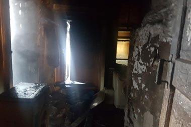 Во время пожара в поселке Уралец погибли 2 человека